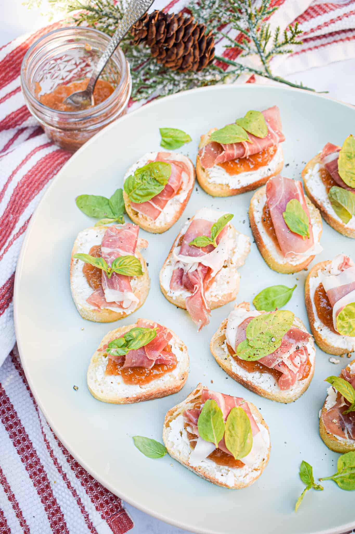fig jam and goat cheese crostini with prosciutto