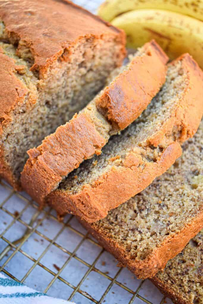the best easy banana bread by the jam jar kitchen