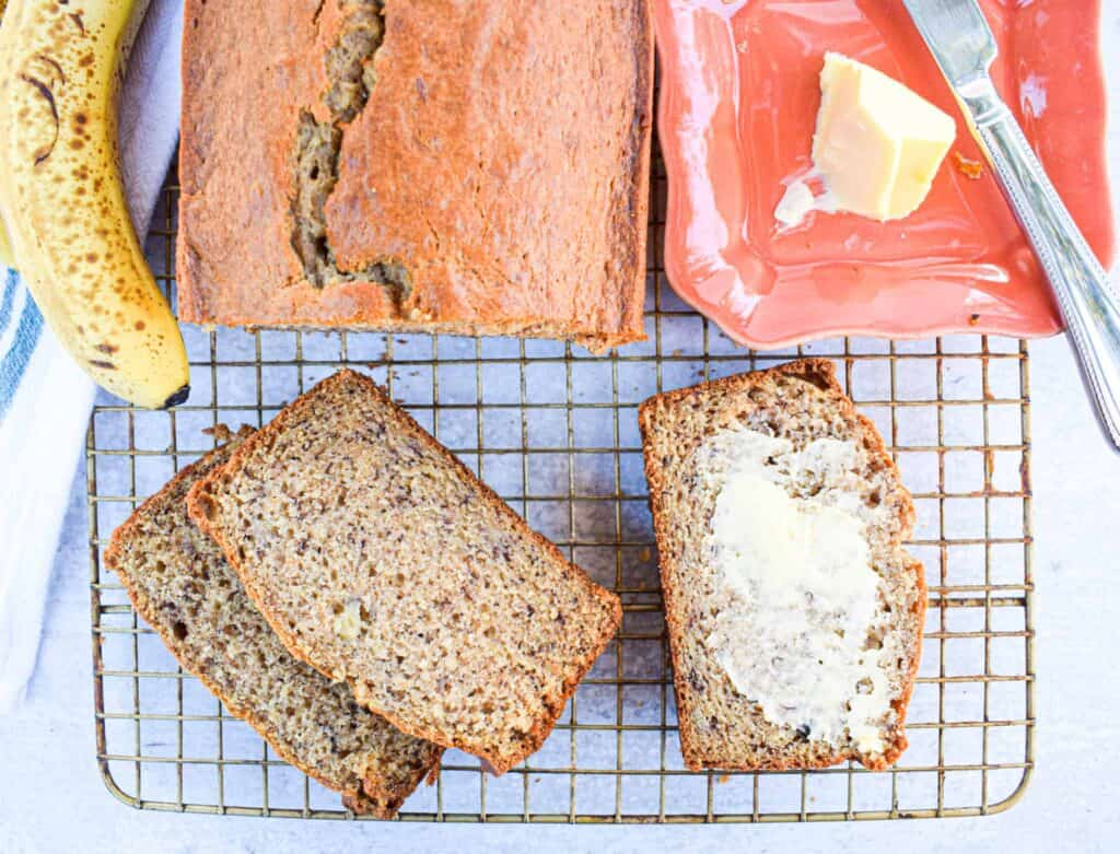 the best easy banana bread recipe from the jam jar kitchen