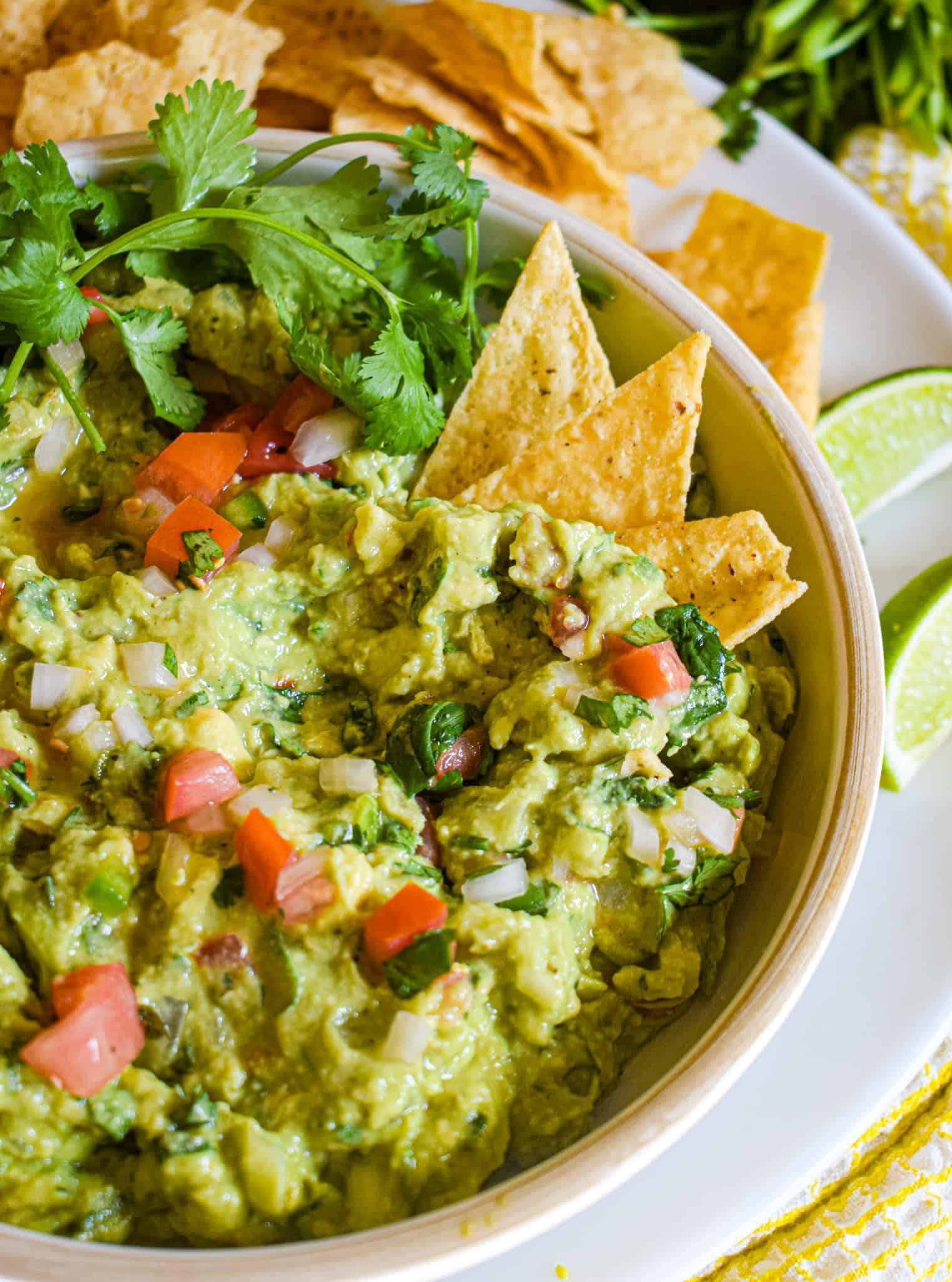 my favorite easy homemade guacamole recipe
