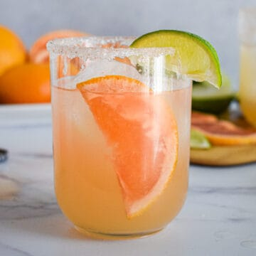 grapefruit paloma cocktail