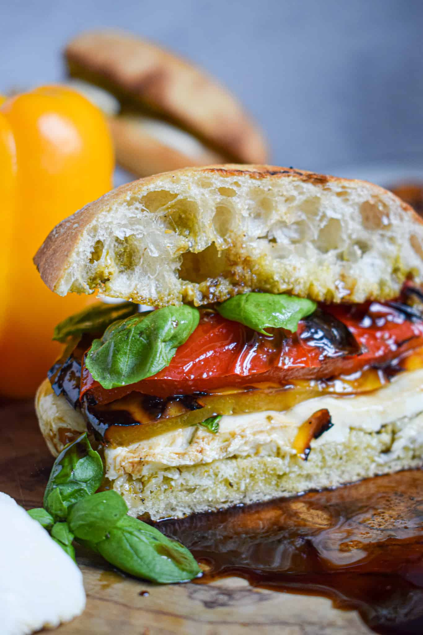 Grille bell pepper and mozzarella sandwich with fresh basil and aged balsamic vinegar