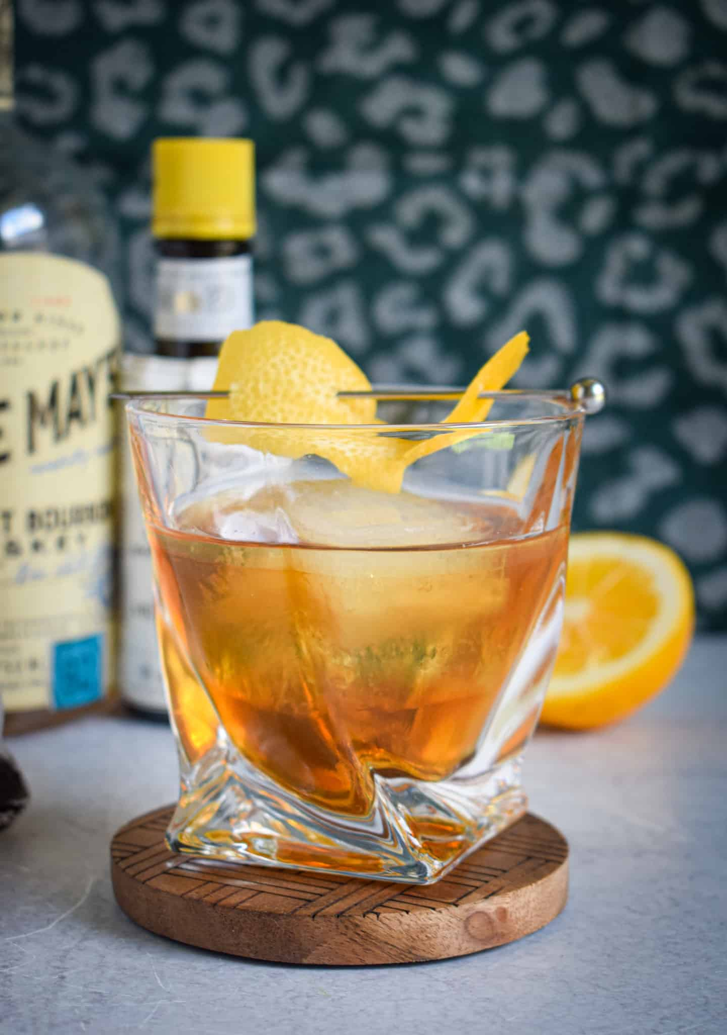 sweet tea old fashioned with whiskey bourbon simple syrup cocktail recipe