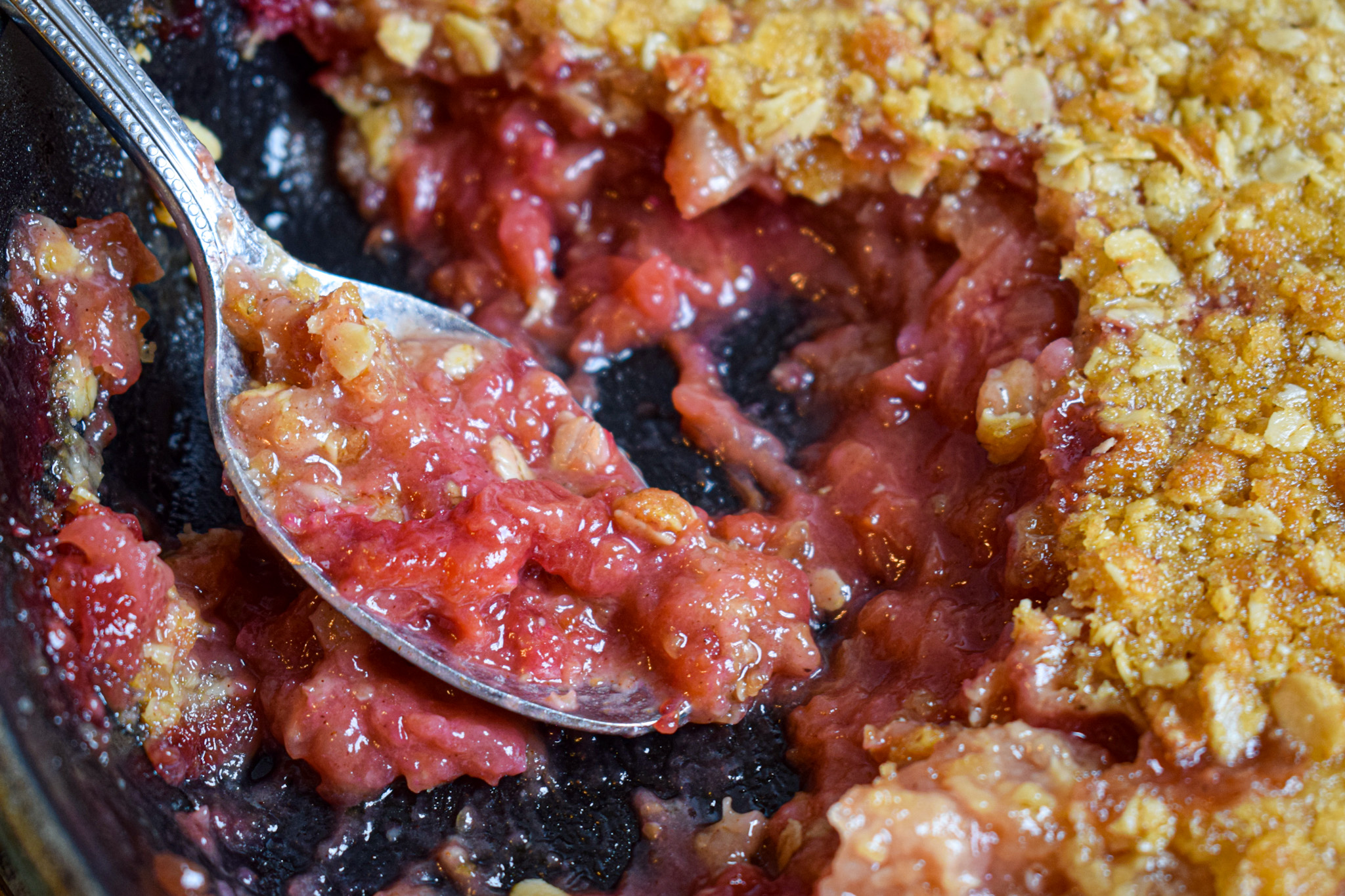 apple and plum crumble crisp