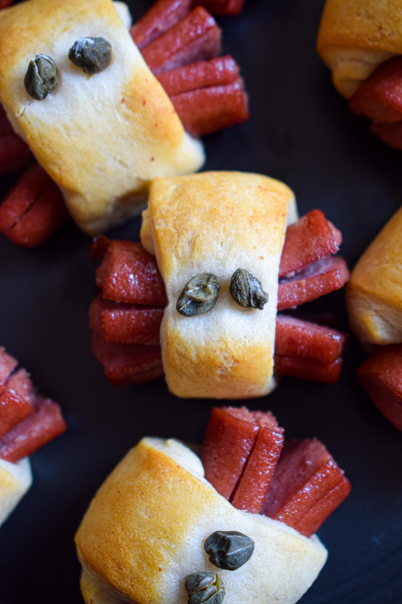 halloween snacks hotdog spiders