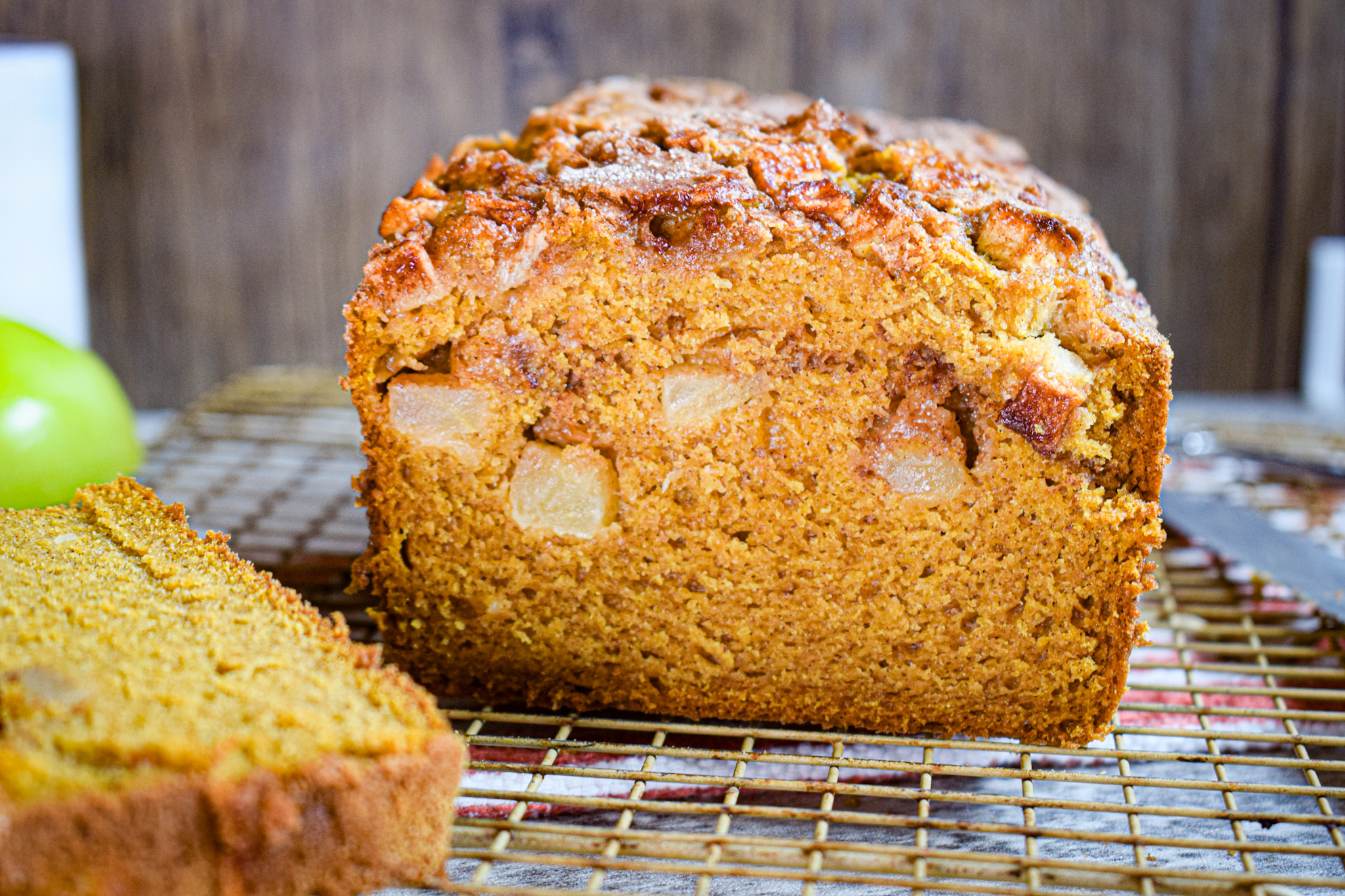 pumpkin and apple quick bread recipe with cinnamon and allspice