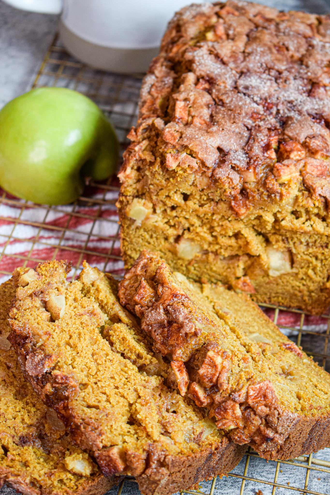 Fall recipe Apple Pumpkin Bread by The Jam Jar Kitchen